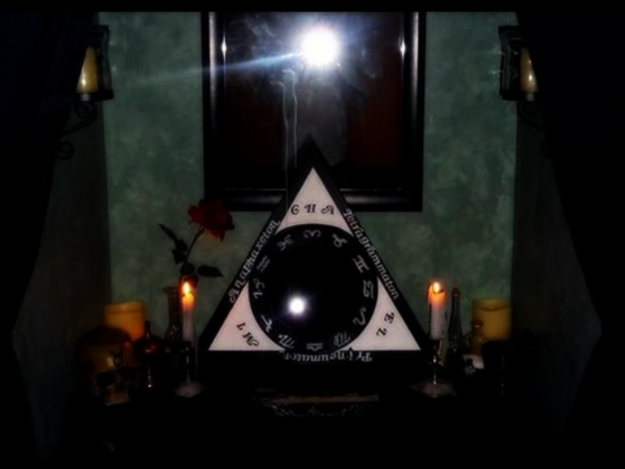 Scrying Achieving Divination